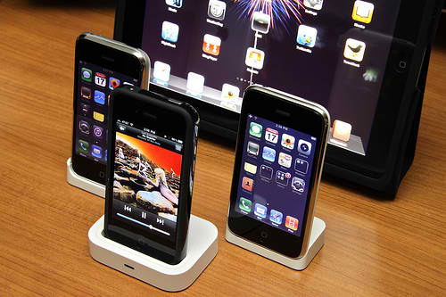 China Telecom May Release CDMA iPhone in China
