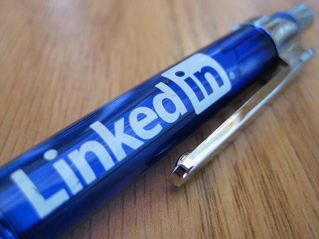 linkedin-seeks-help-from-fbi-to-hunt-password-snatcher