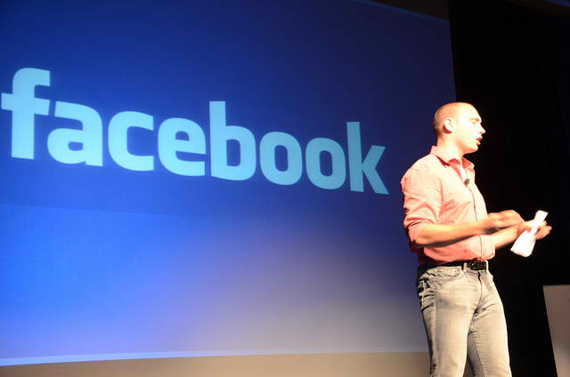 Facebook, Peter Thiel, offload, share, sale, 