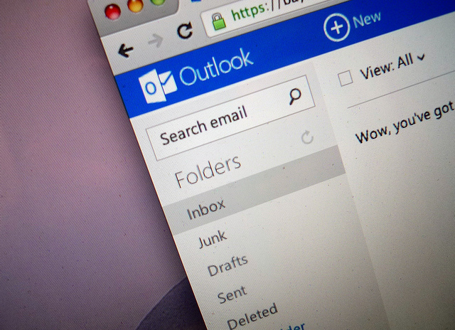outlook-com-webmail-service-registers-10-million-users-in-two-weeks