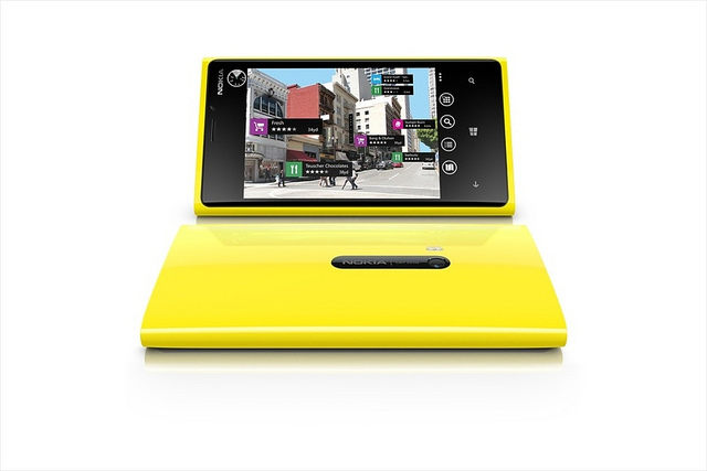 nokia-ceo-hints-at-windows-8-tablet