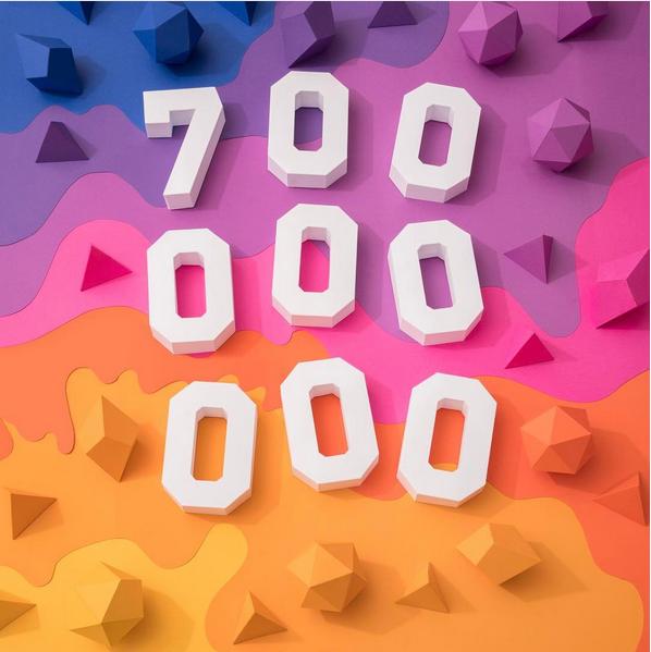 Instagram 700