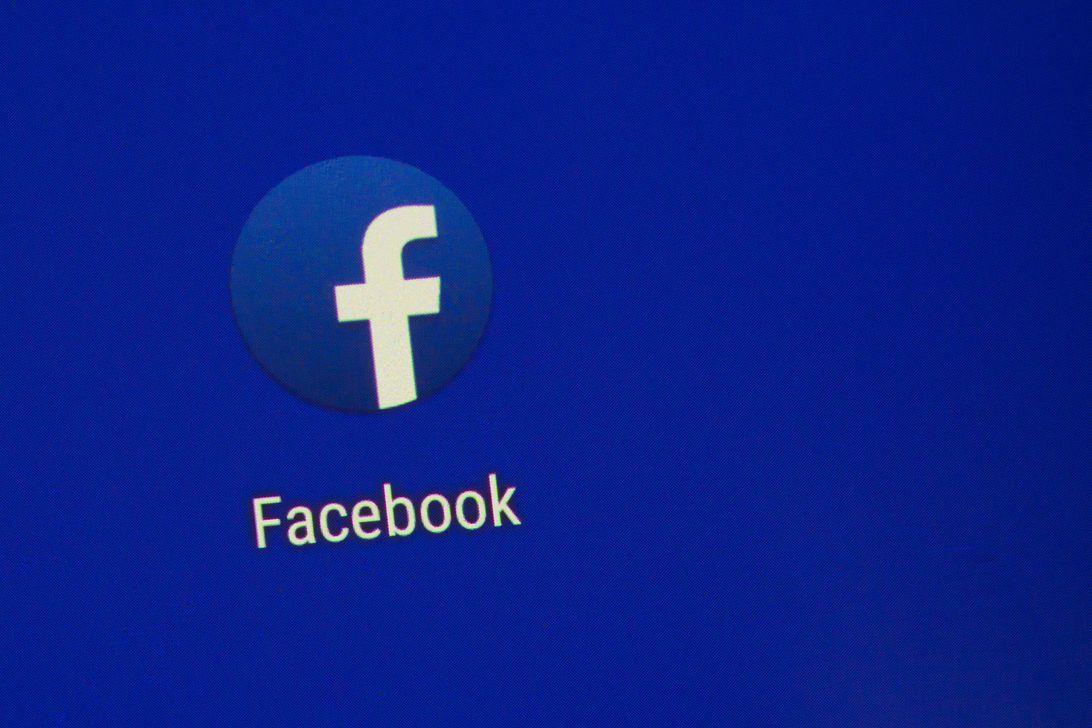Facebook closes official Fatah account - Arab-Israeli