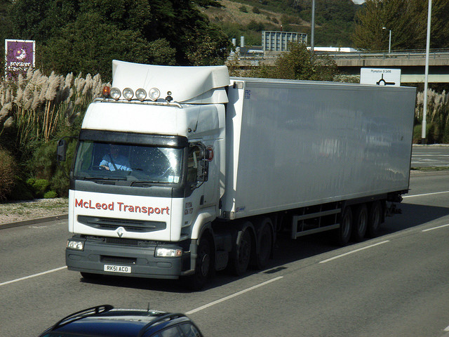 qualcomm-and-mcleod-collaborate-enhance-driver-workflow-and-dispatch-operations-for-less-than-truckload-fleets
