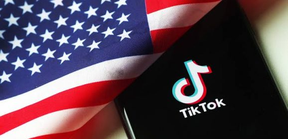 US Senators want TikTok banned from federal phones